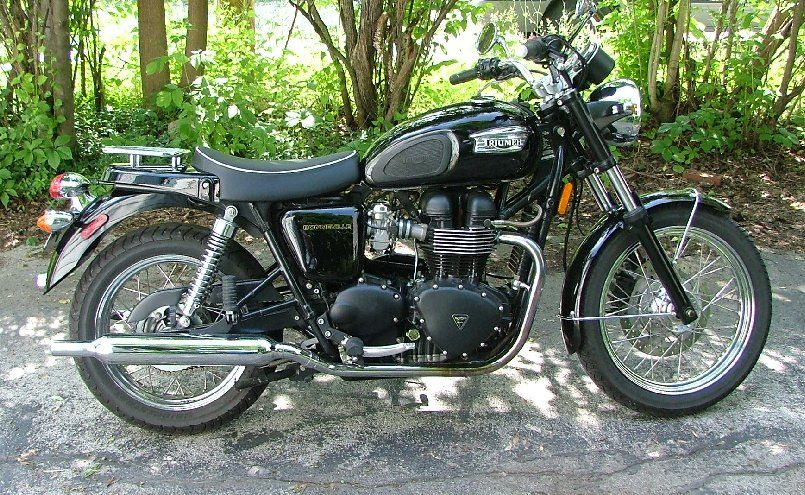 Review Triumph Seat Bonneville Single brighten